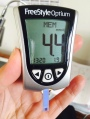Use a glucometer to accelerate weight loss